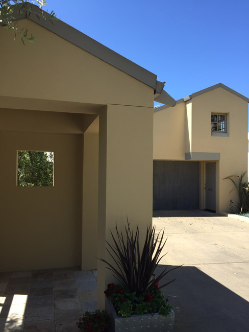 exterior-contemporary-oakland-hills-downslope2