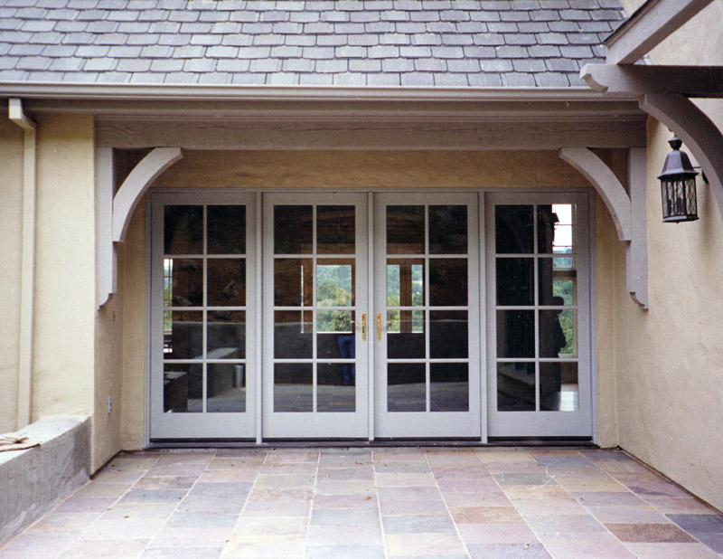 exterior-english-style-detail